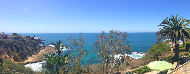 View of Smithcliffs Bay in Laguna Beach, California