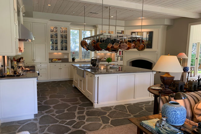 Laguna Beach Farmhouse Kitchen